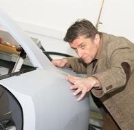 Editorial Rolf Schepp mit Automotive Art