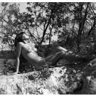 Klaus Ender: Im Sonnenlicht. Binzer Hochufer, 1967. Komplettes Motiv.